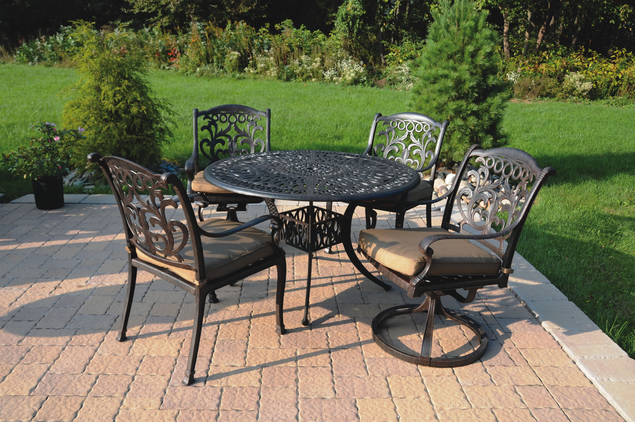 Patio furniture dining set cast aluminum 5pc valencia for Metal patio furniture sets