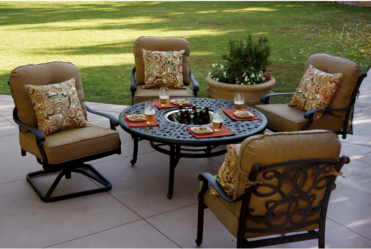 Patio Furniture Deep Seating Chat Group Cast Aluminum w/Ice Bucket Tea Table 5pc Santa Monica