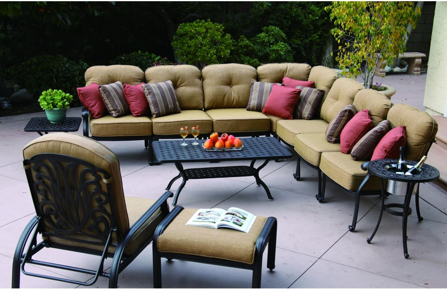 Deep Seating Sectional Cast Aluminum Lisse