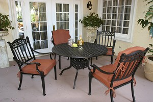"Cast Aluminum Dining Set with 42"" Round Table"